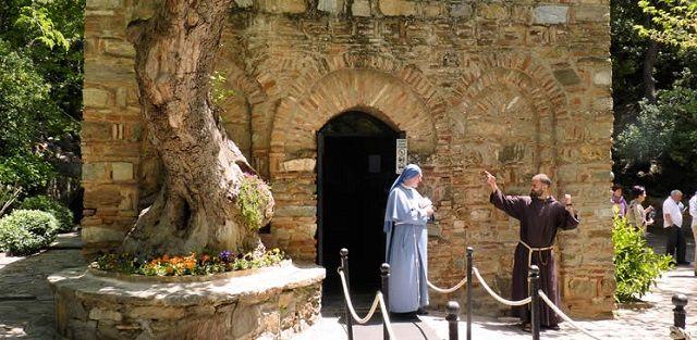 Esmirna (la actual Izmir) en Turquía - Una de las 7 iglesias del Apocalipsis 1