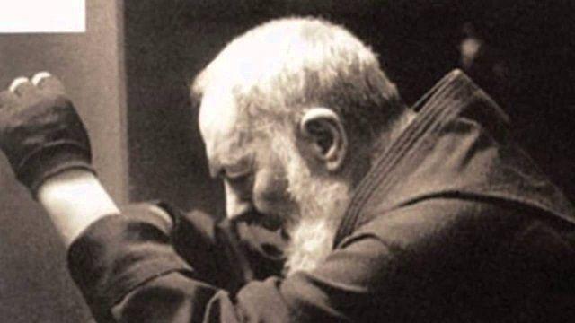 El Padre Pío Y Su Amada Oración Al Sagrado Corazón Para