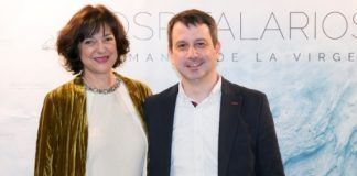 La escritora Vallejo-Nágera y el director de la película Hospitalarios, Jesús García