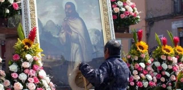 Devotos de San Juan Diego en Cuatitlán, en el santuario de la casa del vidente