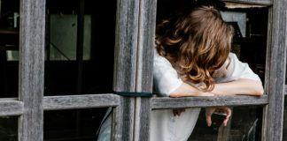 Tras años de abusos cotidianos, miraba la ventana y pensaba sólo en suicidarse...