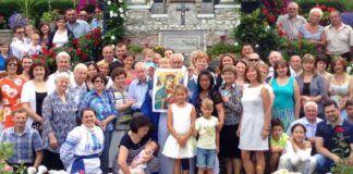 Devotos y peregrinos en el nuevo santuario de la Gratitud, cerca de Toronto, Canadá