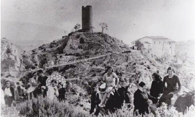 Santuario mariano de Torreciudad y peregrinos en 1933