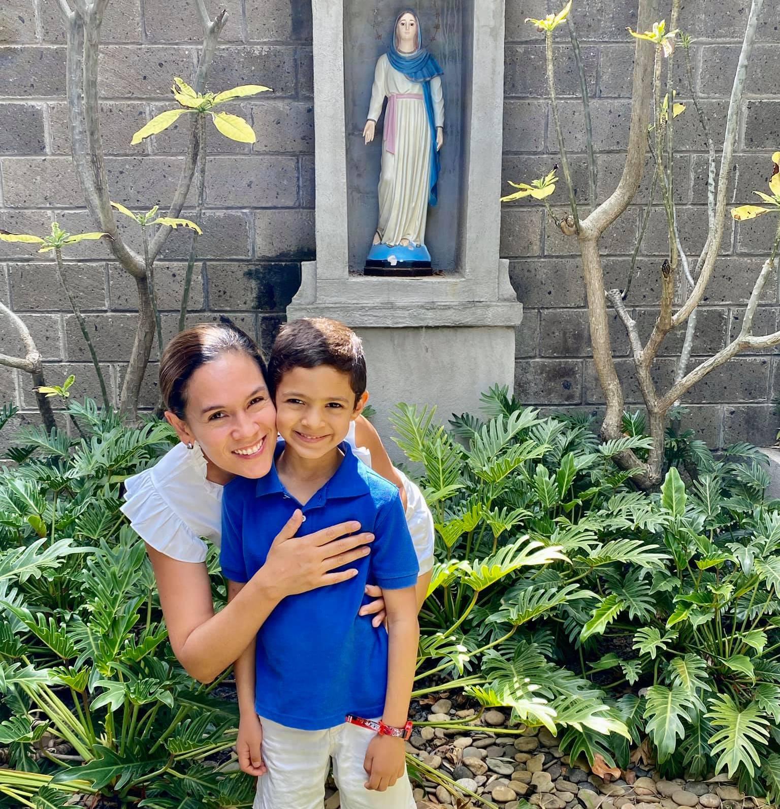 Nadia Vado con su tercer hijo, que nació sano el día de la Virgen de Cuapa
