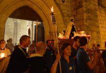 Procesión con la Virgen negra del santuario de Rocamadour en Occitania en 2019