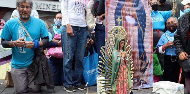 Imágenes de la Virgen de Guadalupe en una oración de 40 Días por la Vida